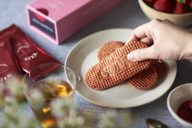 画像2: 「どこまでもバターな一枚。」がコンセプトのもっちり食感のゴーフレット