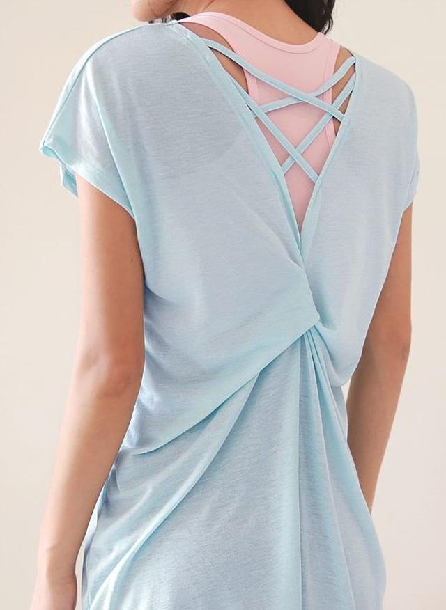 画像1: バッククロスツイストTシャツ ¥2,431 (税込)