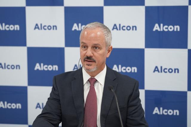 画像: 日本アルコン株式会社 代表取締役社長 リック・コズロスキー氏