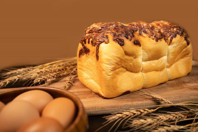 画像1: 食パンはおうち時間のすべての時間に…。