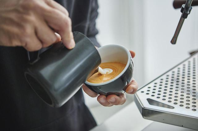 画像: 心地よい音声を聴きながら「red espresso」を楽しむオリジナル音声コンテンツ