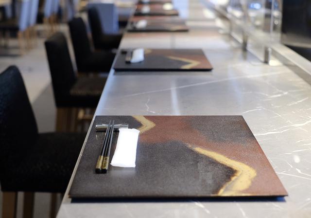画像2: 【試食レポ】銀座発宝石箱のような「お花見ロール寿司弁当」登場♡