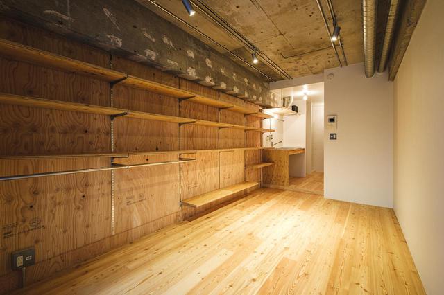 画像: ▲Rough:釘打ちなど DIY が楽しめる ペイントや釘打ちが可能なカスタムウォールを壁一面に設置しており、自由にカスタムすることが可能です。