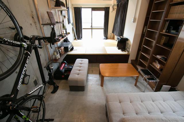 画像: ▲Doma:土間のあるお部屋 無機質なモルタルの土間スペースと、小上がりの畳スペースの両方を楽しめます