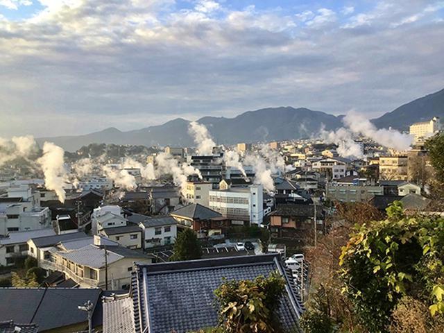 画像: ワーケーションしてみたい場所1位は温泉宿!