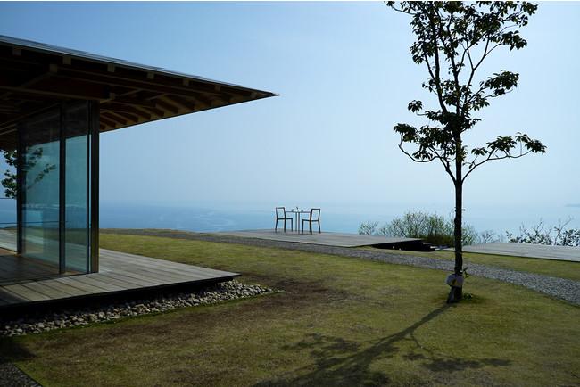 画像1: 【20万坪を貸切。1日1組限定】隈研吾氏設計のカフェ『COEDA HOUSE』で朝食を。アカオハーブ&ローズガーデンの貸切朝食付き宿泊プラン