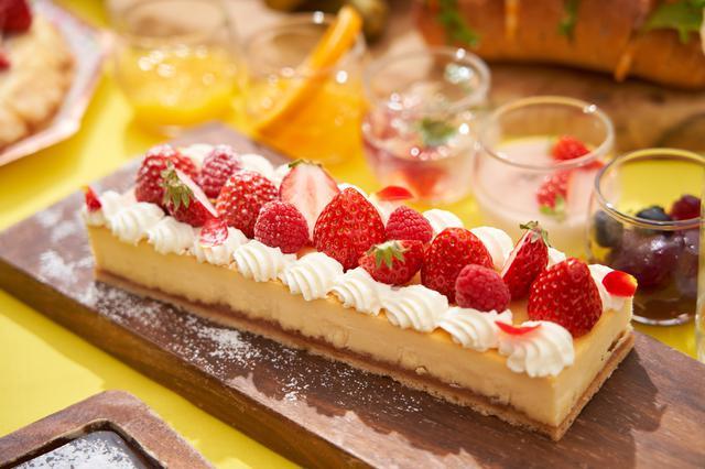 画像: ストロベリーベイクドチーズケーキ