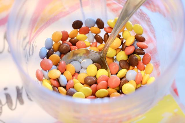 画像: キュートなドット柄チョコ
