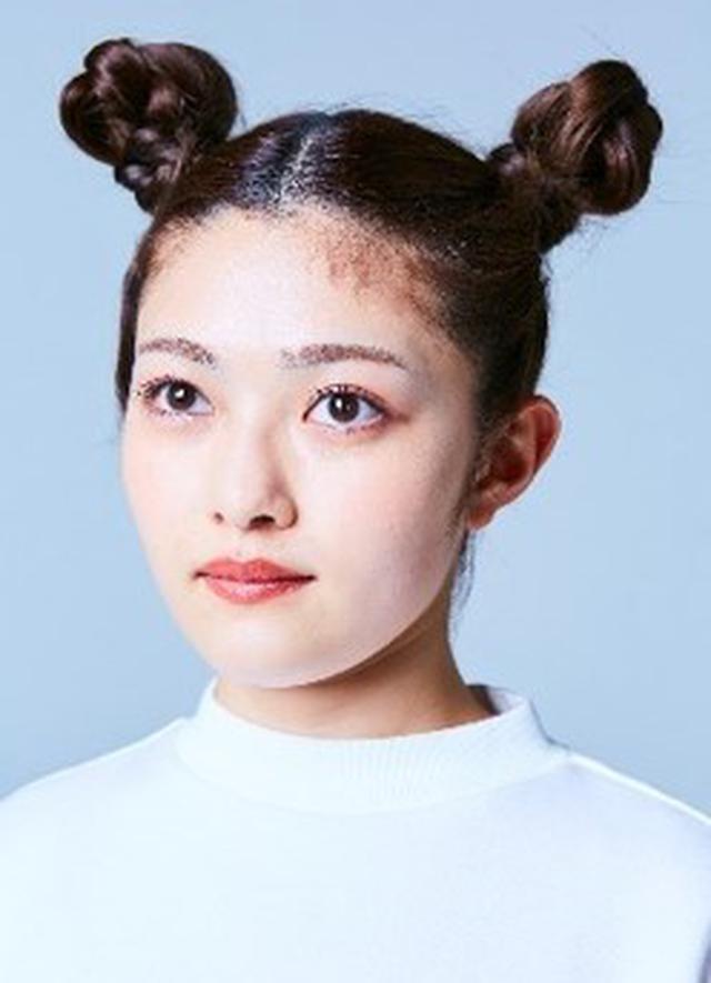 画像: 井上咲楽さん KATEマスク+アイシャドウで小顔印象が引き立つクールビューティに変身!