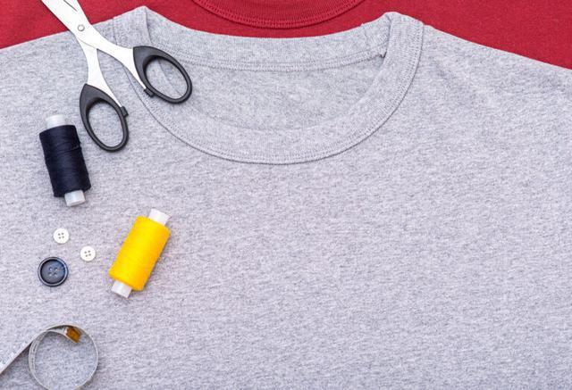 画像: 【超簡単】Tシャツで縫わずにできるエコバッグの作り方
