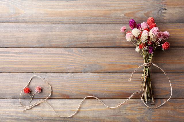 画像: 植物でつくられた麗しい装飾・スワッグ。インテリアをおしゃれに彩る飾り方を紹介 | くらしマグネット