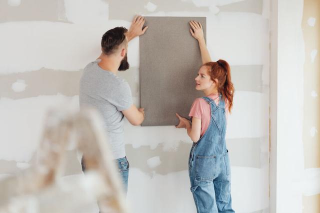 画像: 壁紙の貼りかえDIY術!やりがちな失敗&成功ポイントも解説 | くらしマグネット