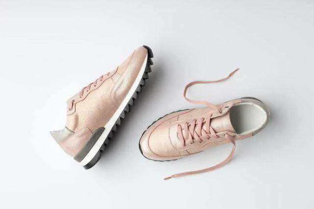 画像: 靴紐でスニーカーをリメイクするコツ