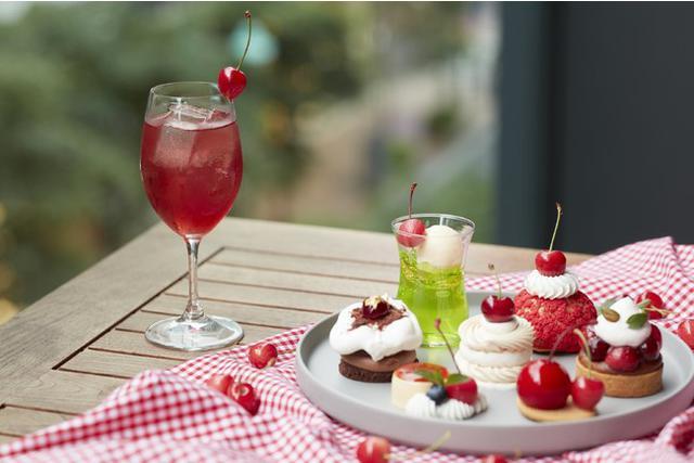 画像1: 夏が旬のさくらんぼをふんだんに使用したケーキセットが期間限定で登場