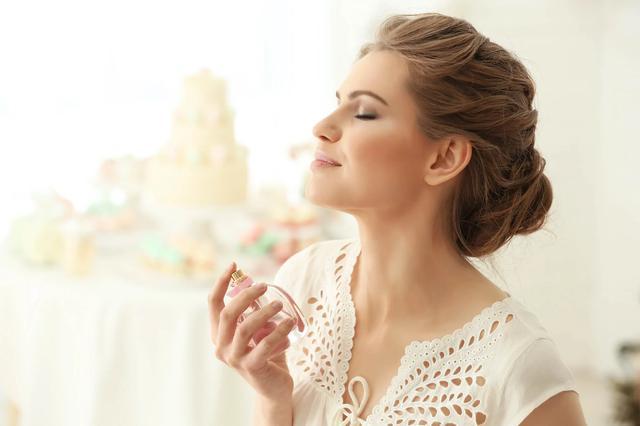 画像1: ムスクの香りの特徴や効果とは。おすすめ香水もあわせて紹介