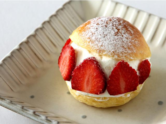 画像: 【オリエンタルホテル福岡 博多ステーション】フレッシュで甘酸っぱい苺に特製生クリームがたっぷり「苺のマリトッツォ」を新発売