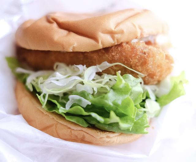 画像: 「日本の生産地応援バーガー 真鯛カツ〈愛媛県愛南町〉」