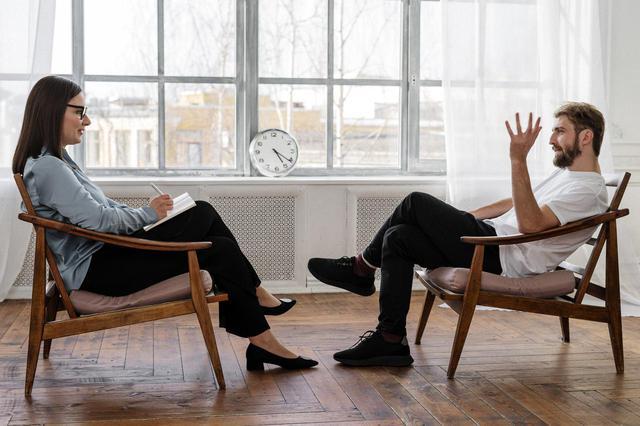 """画像: 結婚前にお互いの""""考え""""や""""感覚""""について、話し合っておくべきなのでしょうか? 写真はイメージ"""