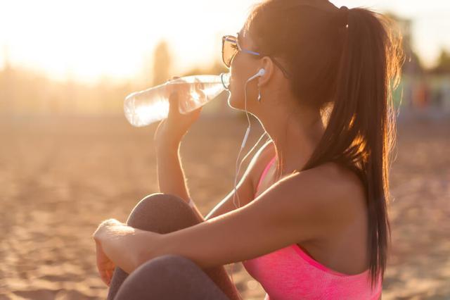画像: 暑い時期は熱中症に注意する