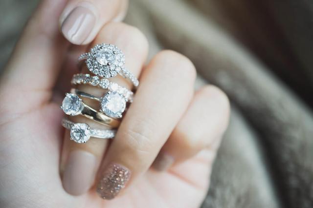 画像: ダイヤモンドを高く買い取ってもらう条件とは。状態や種類によって違う?