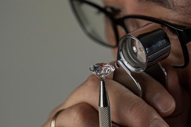 画像: ダイヤモンドの買取額をアップさせるコツ