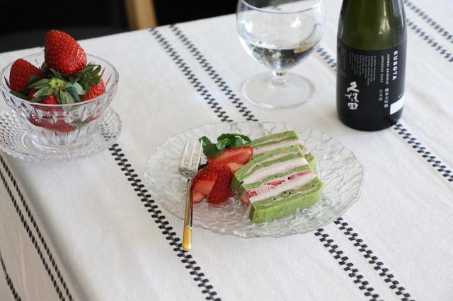 画像: 酒粕と抹茶のミルフィーユケーキ