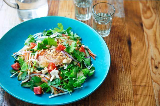 画像: 食品宅配のOisixと人気月刊誌『VERY』のサラダKit Oisixコラボ企画がスタート