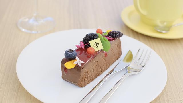 画像2: 【試食レポ】スイーツを楽しみながらジュエリーを試着できるカフェ「HELICAL CHORD(ヘリカルコード)JEWELRY&CAFE」が表参道にオープン
