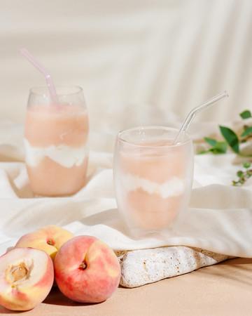 画像: Peach &Pannacotta Frappe(ピーチとパンナコッタのフラッペ) イートイン690円/テイクアウト680円