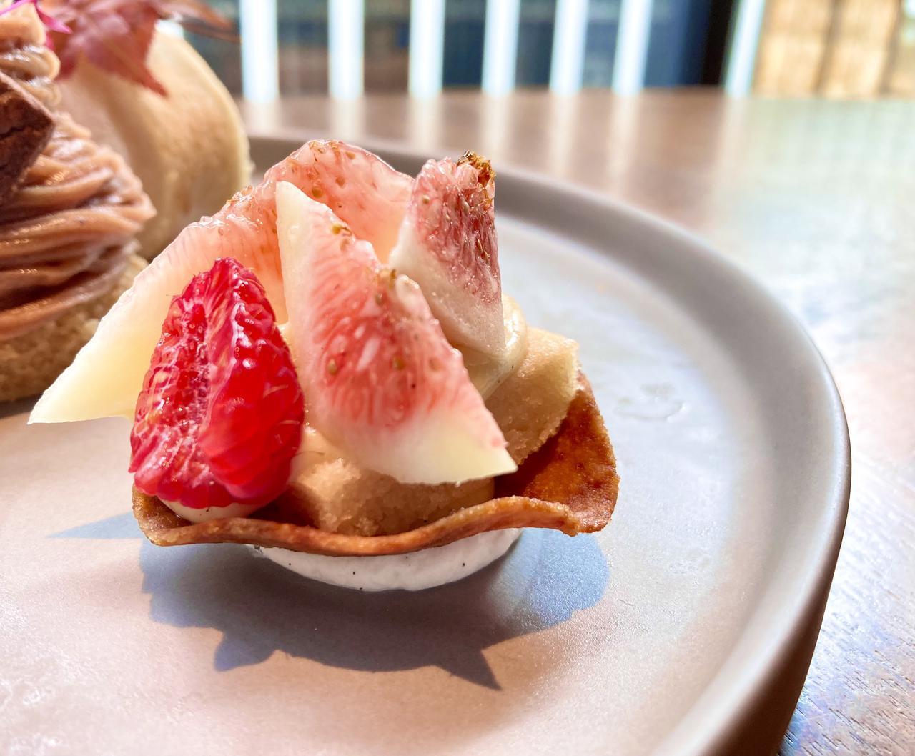 画像1: 【試食レポ】美食の秋を、ヴィーガンで♡ ホテルの華やかなケーキセットが見逃せない!