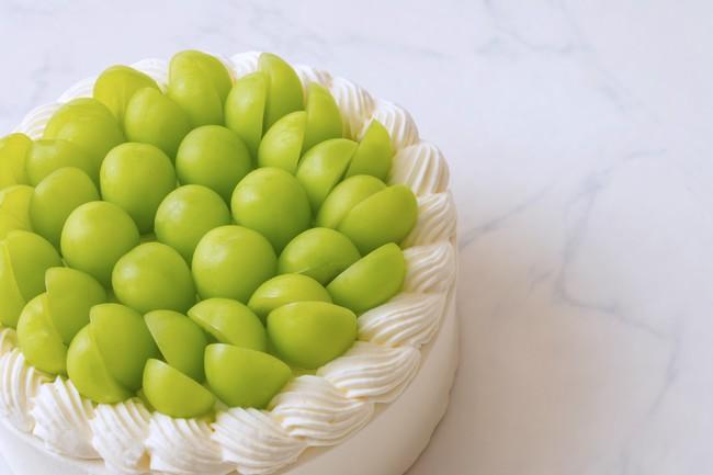 画像1: 上品な風味が至高の逸品 「極上シャインマスカットショートケーキ」 発売スタート