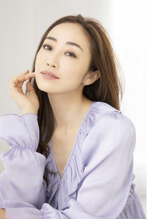 画像2: ルームウェアブランド「SNIDEL HOME」×美容家・神崎 恵とのコラボ 好評につき第2弾発売!