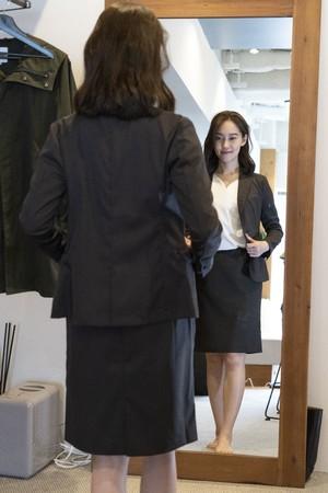 画像2: レディース新商品「3WAYシャツワンピースコート」「ちょっと長めのワークスカート」販売スタート!