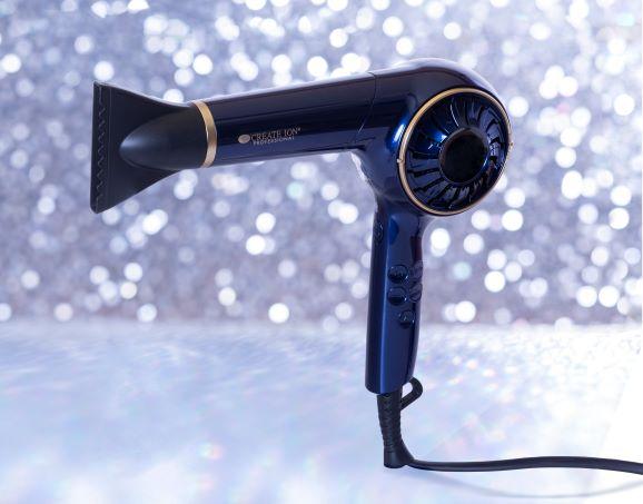 画像1: パーソナルケアドライヤーの限定色が入ったクリスマスコフレをEC限定で販売!