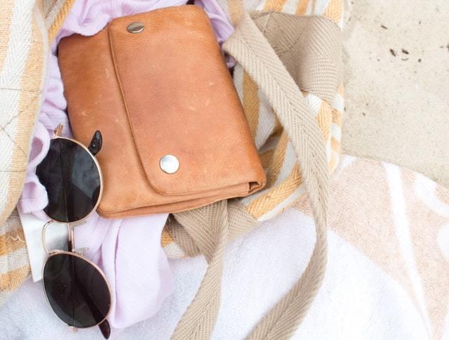 画像: 財布の買い替え時期の目安