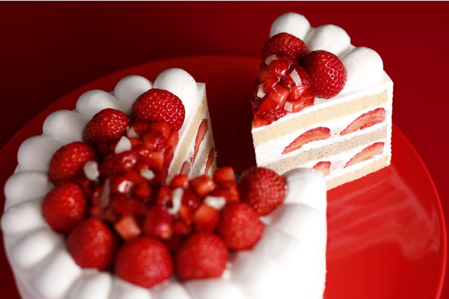 画像: 大切な人と味わう、最上級の味。『新エクストラスーパーあまおうショートケーキ』