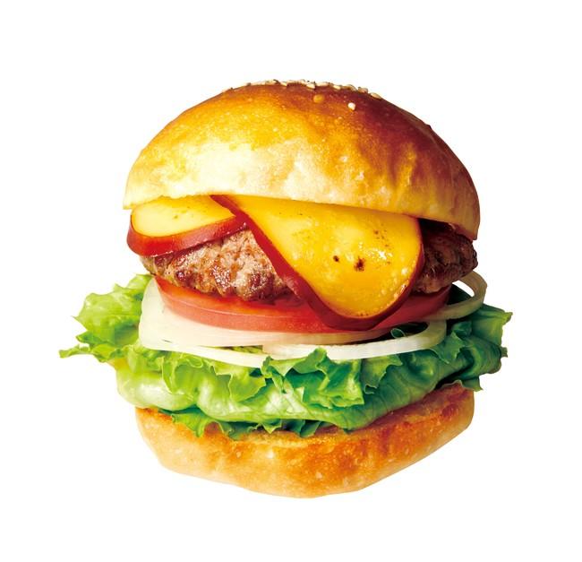 画像: 燻製の豊かな香りと旨み スモークチーズバーガー490円