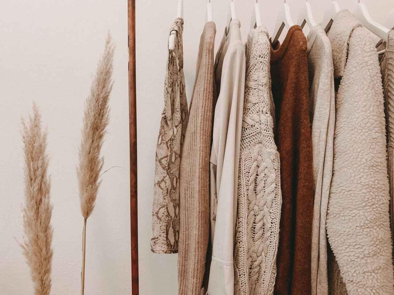 画像: 洋服のサステナブルな洗濯方法とは。洋服を長持ちさせる洗濯・お手入れ方法も