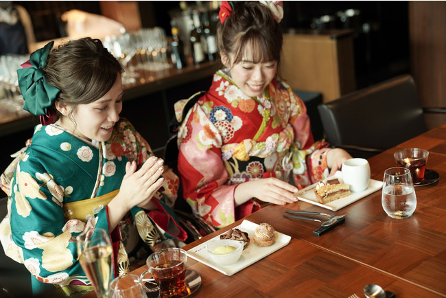 画像: ラブリの「現代コーデ振袖」と「レトロモダンなホテル&洋館」で洗練されたロケ撮影&贅沢会食が実現!