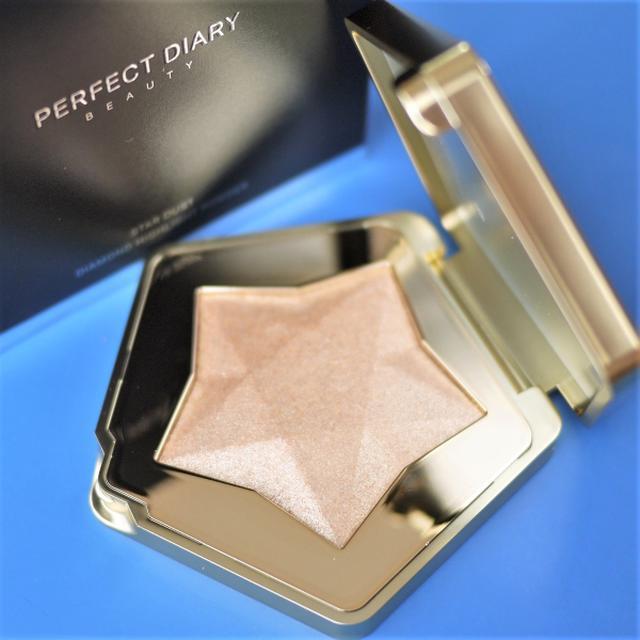 画像: 華やかに輝く「Perfect Diary スターダスト ダイヤモンド ハイライトパウダー」