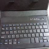 画像: スマホ用の、ワイヤレスキーボードを導入しました。 私はフリック入力よりも、キーボードでタイピングした方が断然入力が早いのです。。。 #ワイヤレスキーボード #スマホ #実はフリック入力苦手 www.instagram.com