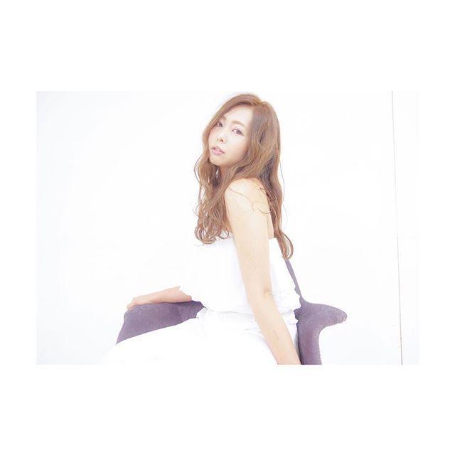 画像: MASS×Chiharu #hairstyle#hightonecolor#white#salon#shooting#instagood#instapic#l4l#f4f#サロン#撮影#夏#ヘアカラー#真っ白コーデ www.instagram.com