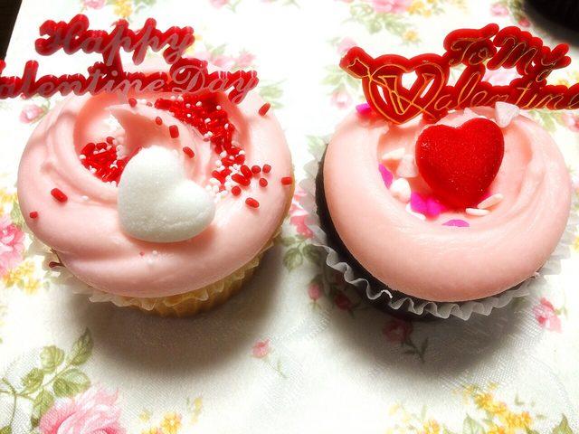 画像1: 自分へのバレンタインカップケーキ!