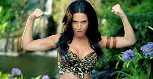 画像1: 可愛いとのギャップ?強い女性を感じさせるKaty PerryのPV!