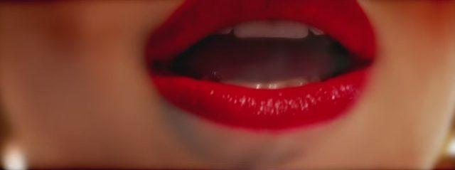 画像: 金髪&赤リップはセクシーの鉄板?