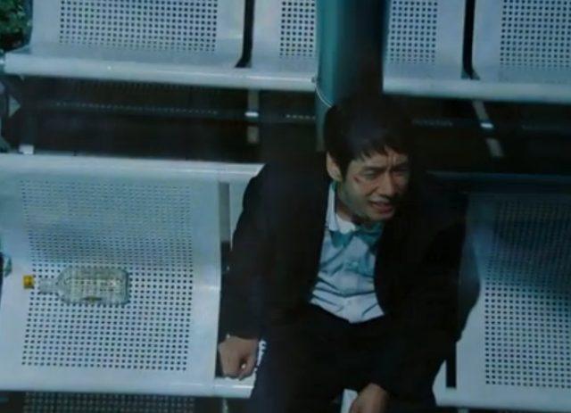 画像: 妻に逃げられ、息子にグレられ、自分はリストラ、父親は危篤。もう死んでもいい!と嘆く主人公カズ。 www.tbs.co.jp
