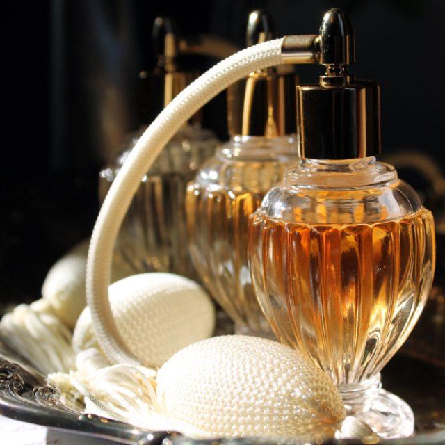 画像: 香りは口ほどにモノを言う? ja.wikipedia.org