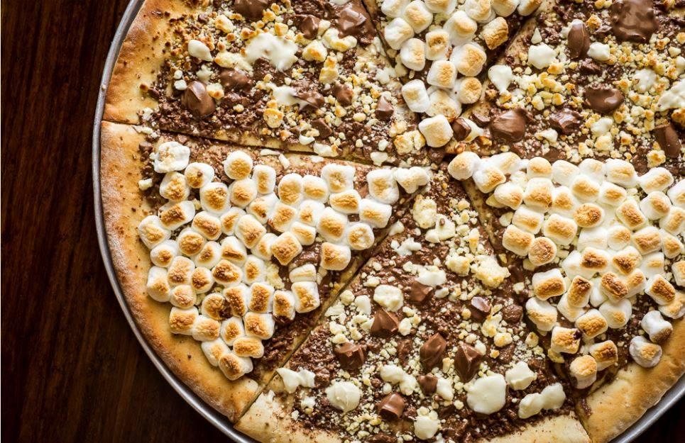 画像: Max brenner チョコレートピザ newyork.cbslocal.com