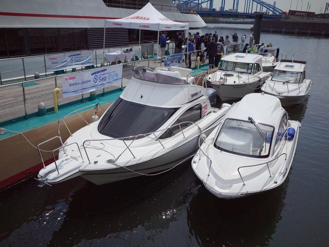 画像: ヤマハ発動機のボートが並ぶ