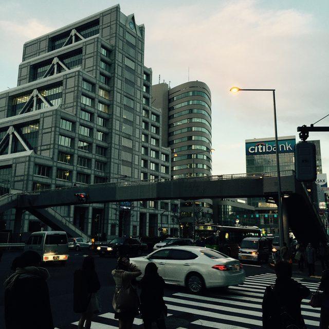 画像1: 青山学院大学前にて